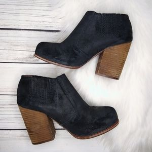 JEFFREY CAMPBELL BLACK SUEDE ANKLE BOOTIES SIZE 8
